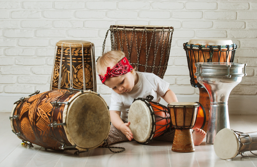 Hitting a drum helps preschoolers gain control - Bigger Better Brains
